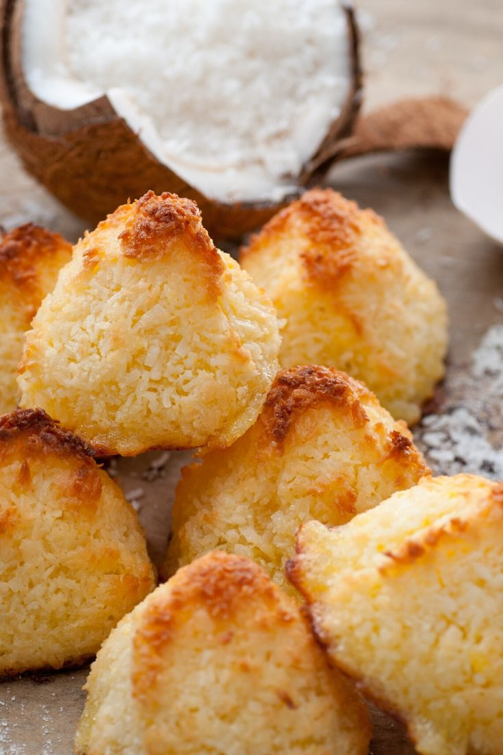 Coconut Macaroons are a popular Norwegian christmas cookie