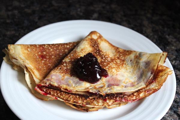 Icelandic Pancakes pönnukökur with Jam