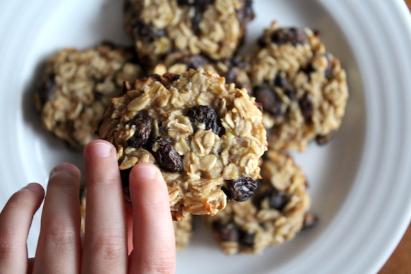 3 Ingredient Oatmeal Raisin Cookies (Vegan & Gluten Free)