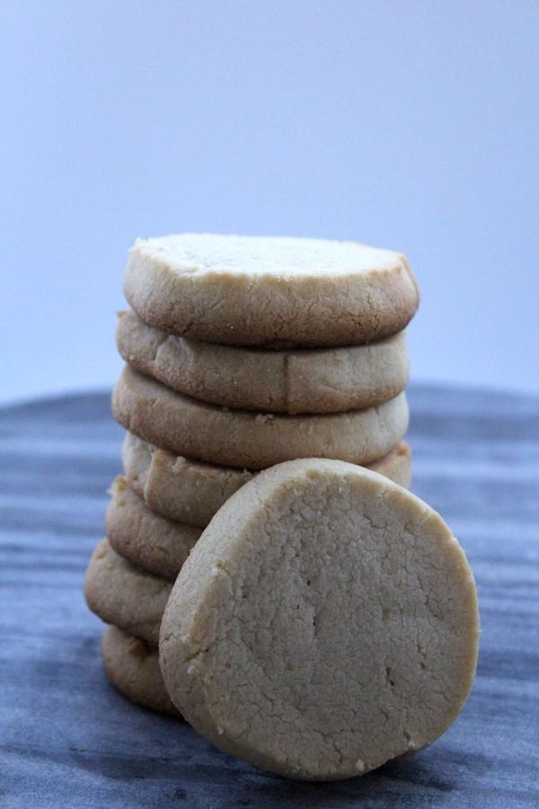 Grain Free Maple Shortbread Cookies ~ Paleo with Vegan Option