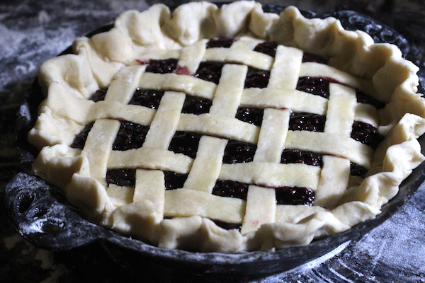 elderberry pie before baking