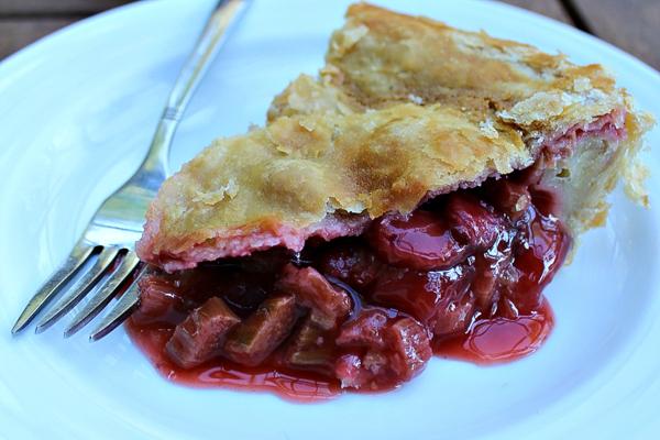 Maple Sweetened Strawberry Rhubarb Pie