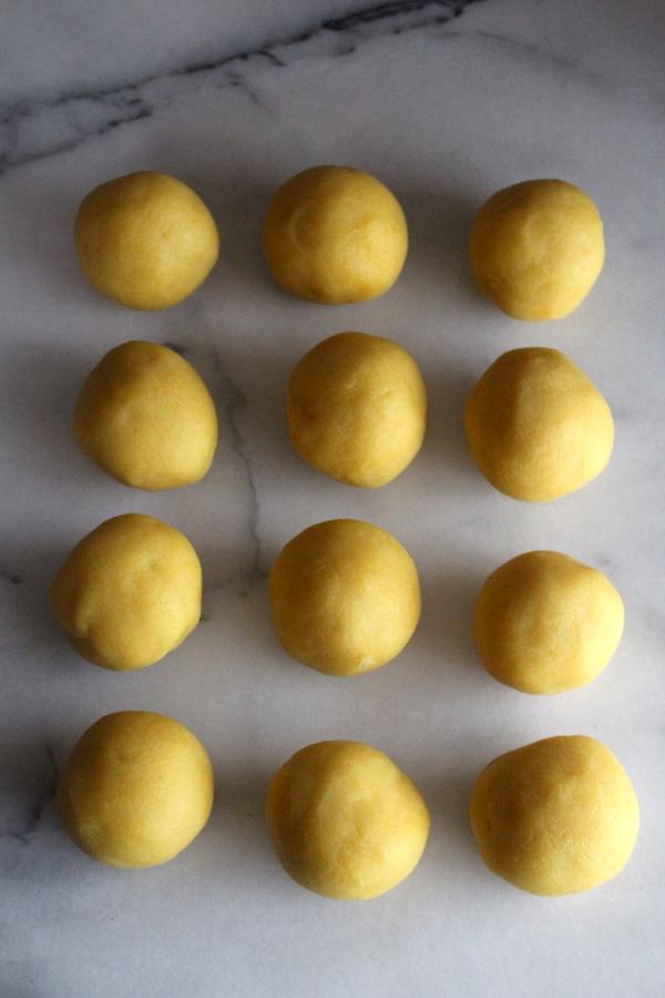 berlinerkranser dough balls